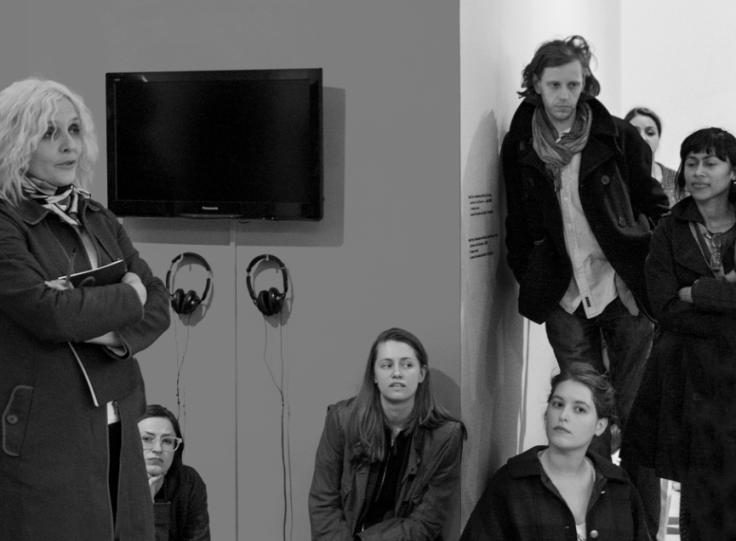 Нада Прља со студенти во галеријата Calvert 22, Лондон